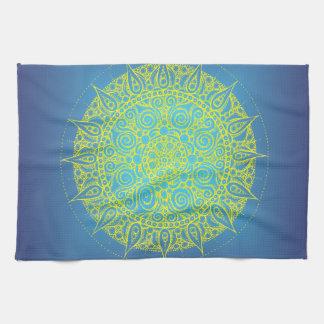 美しく青か黄色の東洋のデザイン キッチンタオル