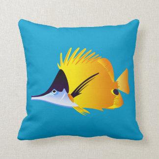 美しく黄色い熱帯魚 クッション