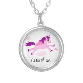 翼の名前入りな名前のピンクのユニコーン シルバープレートネックレス