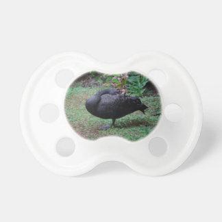 翼の鳥動物のイメージの黒鳥の頭部 おしゃぶり