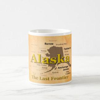 老化させたアラスカの地図のシルエット コーヒーマグカップ