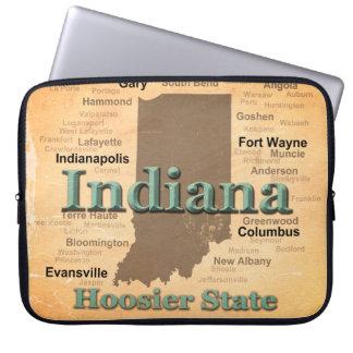 老化させたインディアナの州のプライドの地図のシルエット ラップトップスリーブ