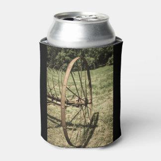 老化する干し草熊手の車輪 缶クーラー