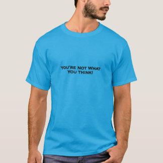 考える何をない-ティール(緑がかった色)のTシャツ Tシャツ