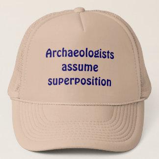考古学者は重ね合わせを仮定します キャップ