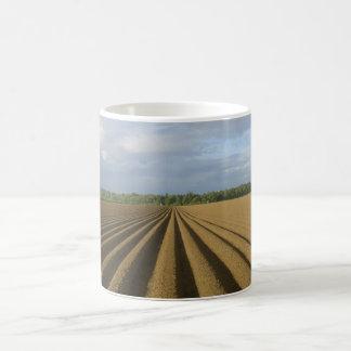 耕された分野 コーヒーマグカップ
