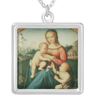 聖ヨハネを持つマドンナそして子供バプテスト シルバープレートネックレス