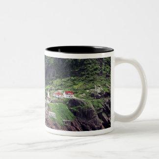 聖ヨハネ、ニューファウンドランド、カナダの歴史的な城砦 ツートーンマグカップ