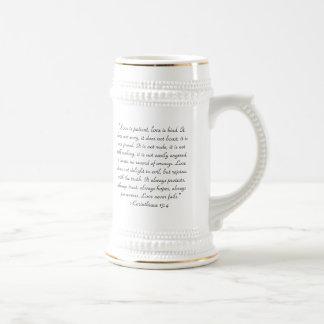 聖書の引用文1のCorinthiansの13:4 ビールジョッキ
