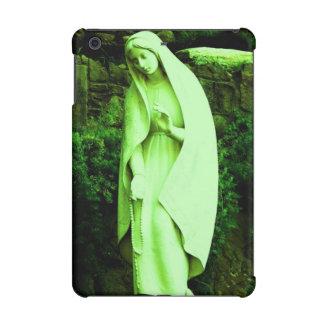 聖母マリアの緑の彫像