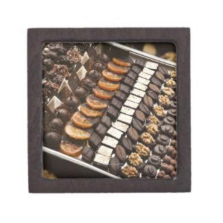 職人技チョコレートPralinesの変化 ギフトボックス