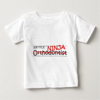 職名の忍者-歯科矯正医 ベビーTシャツ