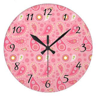 肯定的にピンクのペイズリー ラージ壁時計