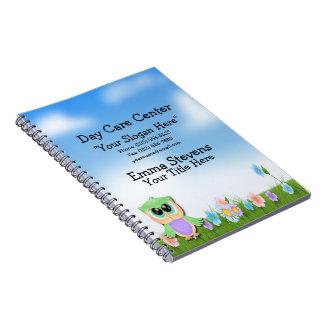 育児の赤ん坊のフクロウの螺線形ノート ノートブック