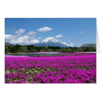 背景のピンクのコケそして富士山 カード