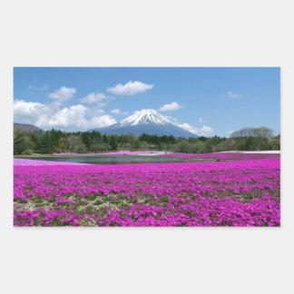 背景のピンクのコケそして富士山 長方形シール