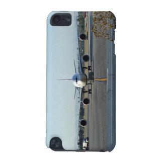 背景の青空が付いている空港の飛行機 iPod TOUCH 5G ケース