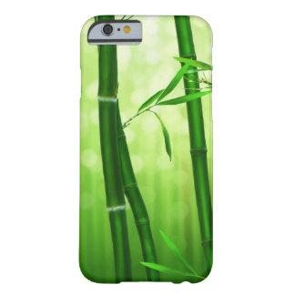 背部の淡い色のな《写真》ぼけ味ライトが付いている緑のタケ BARELY THERE iPhone 6 ケース