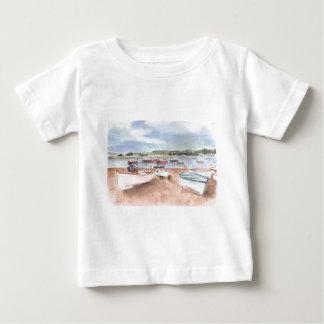 背部ビーチのボート ベビーTシャツ