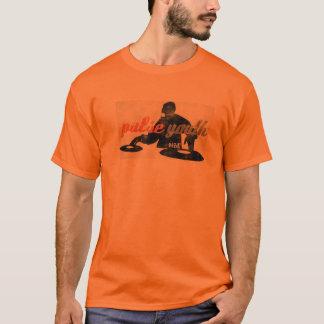 脈拍の青年Tシャツ Tシャツ