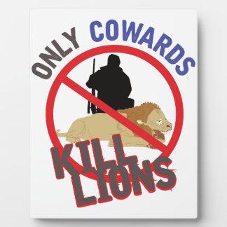 臆病者の殺害のライオン フォトプラーク