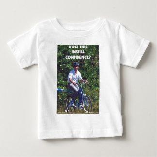 自信を浸透させているオバマ ベビーTシャツ