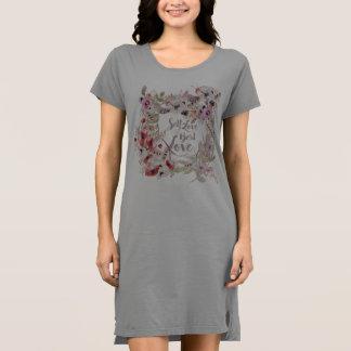 自己愛は最も最高のな愛Tシャツの服です ドレス