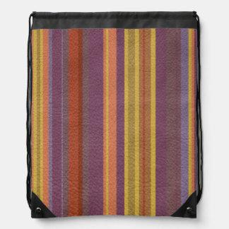 自然な色の革プリントで縞で飾りましたり及び並びます ナップサック