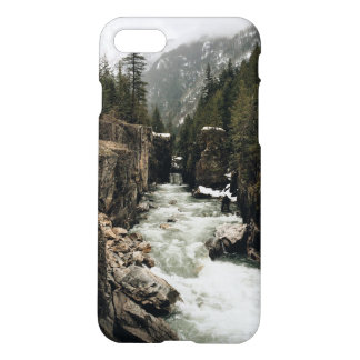 自然の川のグランジなtumblrの審美的な電話箱 iPhone 8/7 ケース