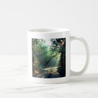 自然力は道の端をつけます コーヒーマグカップ