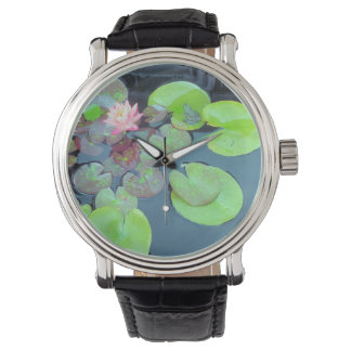 自然-スイレンの浮いている葉のカエル 腕時計