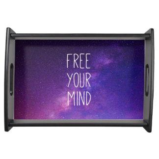 """""""自由あなたの心""""の引用文の青い紫色の空の宇宙の星 トレー"""