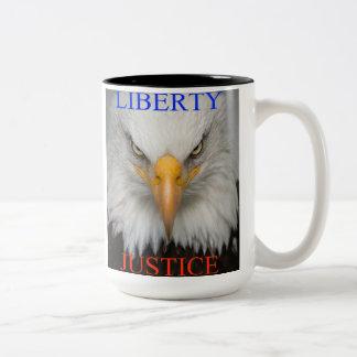 自由および正義 ツートーンマグカップ