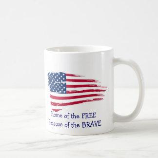 自由な波状の旗の家 コーヒーマグカップ
