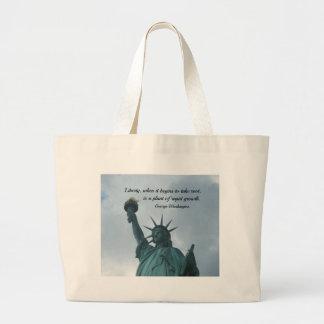 自由についてのジョージ・ワシントン著引用文 ラージトートバッグ