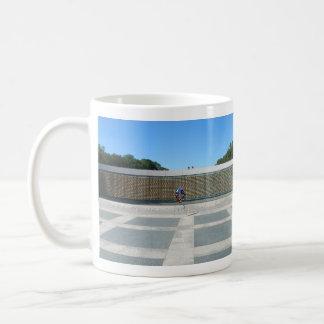 自由の価格 コーヒーマグカップ