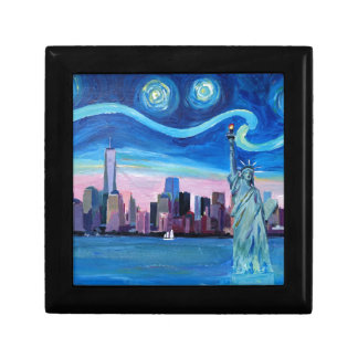 自由の女神が付いているマンハッタン上の星明かりの夜 ギフトボックス