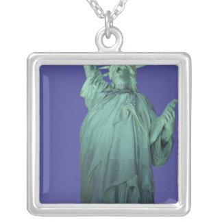 自由の女神、ニューヨーク、米国 シルバープレートネックレス