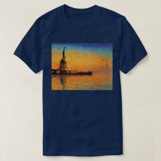 自由の島の日没 Tシャツ