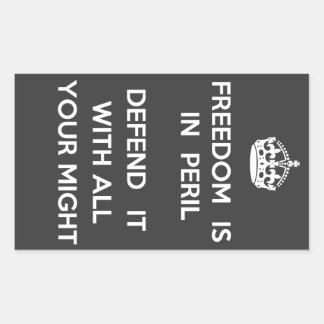 自由は危険のステッカーにあります 長方形シール