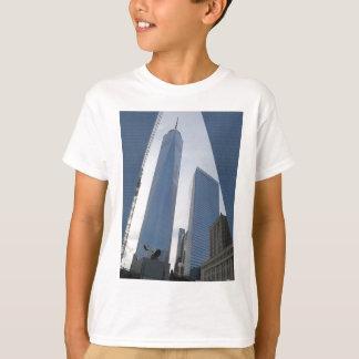 自由タワーの世界貿易センターニューヨークの写真99 Tシャツ