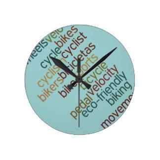 自転車の単語の雲 ラウンド壁時計