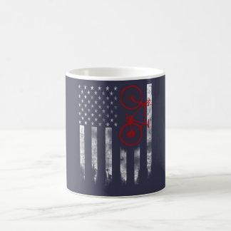 自転車の旗 コーヒーマグカップ