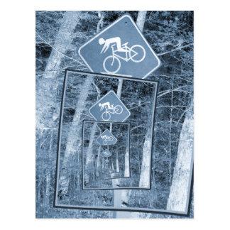 自転車の注意の交通標識 ポストカード