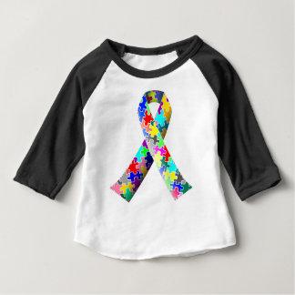 自閉症のパズルのリボン ベビーTシャツ