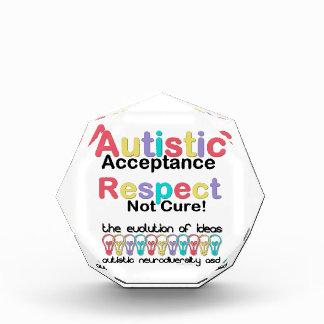 自閉症の受諾の点のない治療 表彰盾