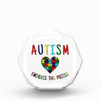自閉症の容認パズル 表彰盾