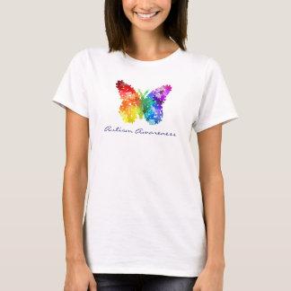 自閉症の認識度の虹のパズルの蝶 Tシャツ