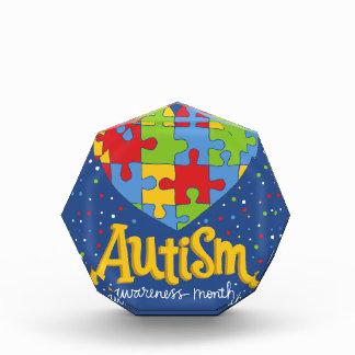 自閉症の認識度月 表彰盾