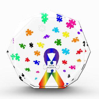 自閉症の認識度 表彰盾